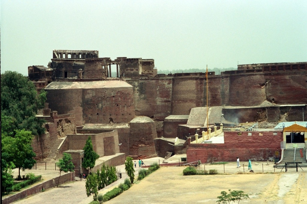 The Qila Mubarak fort at Bathinda, India was built by Kanishka.